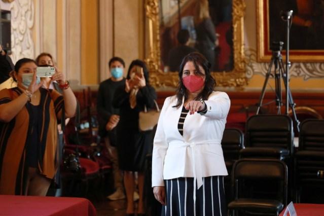 Humberto Arróniz toma protesta a la Secretaria del Ayuntamiento
