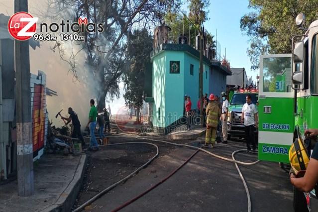 Incendio de pastizal consume humilde vivienda en la Ejidal Sur