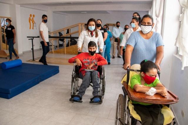 Inaugura DIF una unidad de rehabilitación y un centro de protección a la infancia en Tzitzio