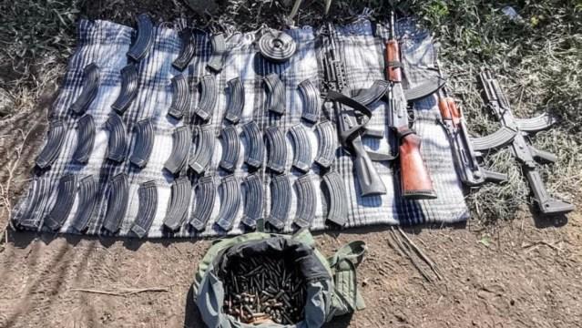 En Peribán, aseguran SSP, Sedena y GN mil 64 cartuchos, armas de fuego, cargadores y artefactos explosivos