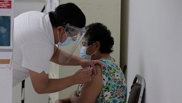 Hasta el momento, Ayuntamiento no ha llamado a regresar a sus labores adultos mayores vacunados con la primera dosis contra Covid-19