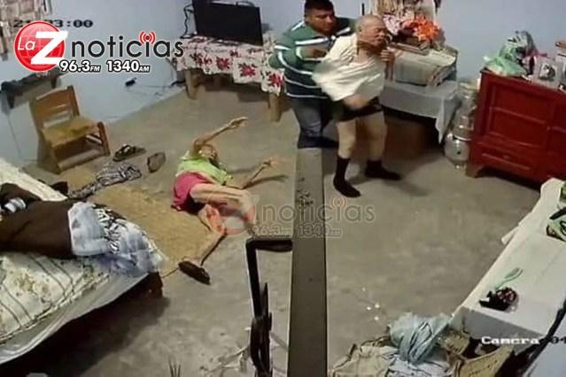 Hombre golpea y asalta a pareja de adultos mayores de Maravatío; están graves
