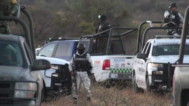 Hallan fosa clandestina con 90 bolsas con restos humanos en Santa Ana, Jalisco