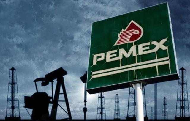 Baja calificación de Pemex bajo criterio negativo por Moody's
