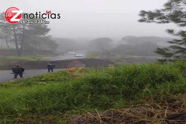 Se derrumba tramo carretero en Uruapan