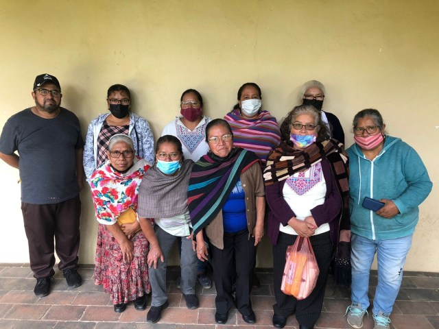 Otorgan IAM y FONART apoyos al sector artesanal michoacano para su bienestar