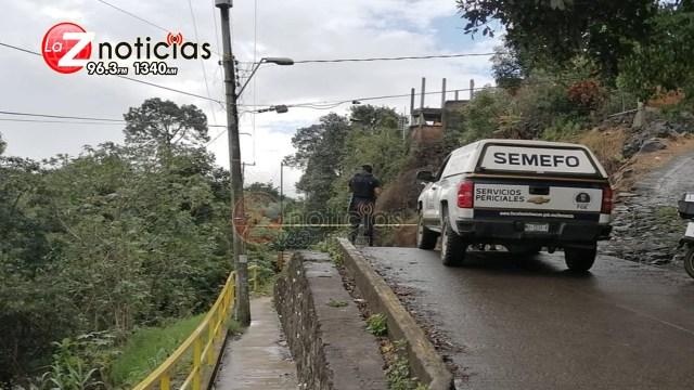 Encuentran cadáver baleado y con narcoletrero en Uruapan