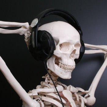 ecoute-une-compile-trop-mortelle
