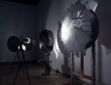 "ZERO - Heinz Mack, Otto Piene, Günther Uecker, ""Lichtraum (hommage à Fontana), 1964 | photo © alain walther | oeuvres DR"