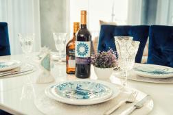 Lazurniy Bereg Holiday Villas And Vacation Rentals Dining Area