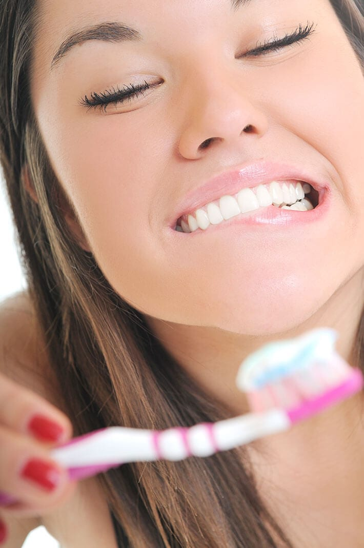 7 Natural Teeth Whitening Home