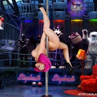 Sexy Stephanie enjoy pole dance