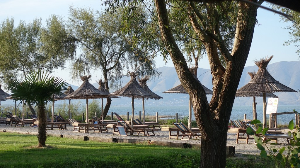 nocleg w Albanii, jezioro Szkoderskie, camping Albania