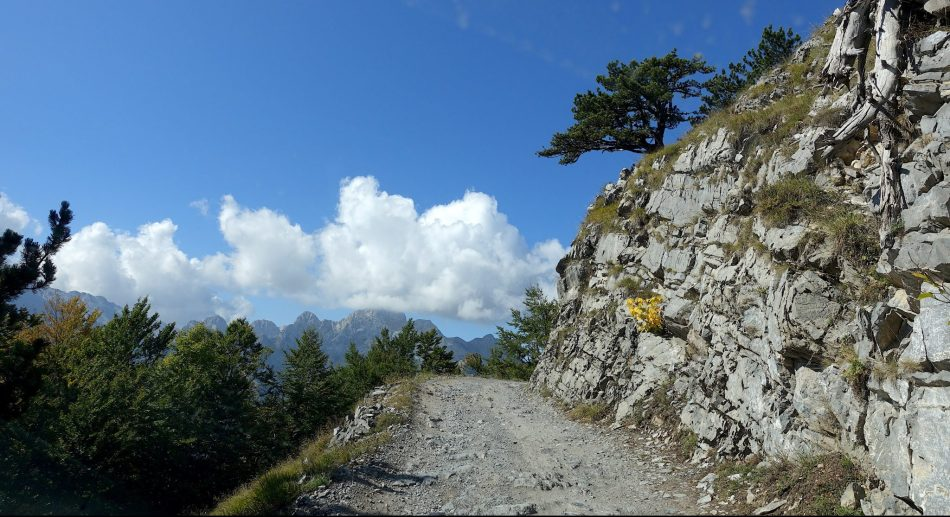 Albania, drogi w Albanii, Theth, Góry Przeklęte