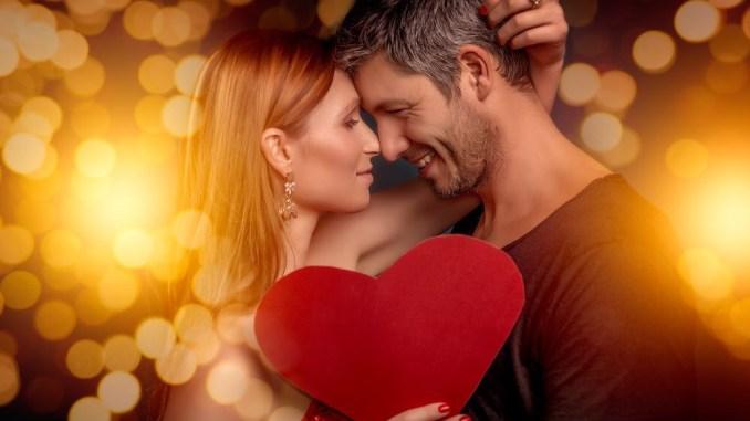 10 مواضيع إذا قمت بالتحدث بها مع الفتاة ستجعلها تقع في حبك
