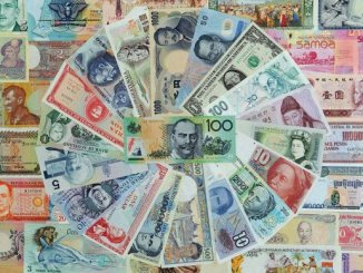 توالي ارتداد الدولار من الأدنى له في أسبوعين أمام الين والأنظار على محضر اجتماع اللجنة الفيدرالية