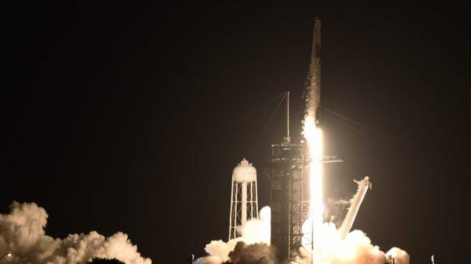 كان إطلاق SpaceX Inspiration4 ناجحًا ، والآن يمكنك متابعة التنين