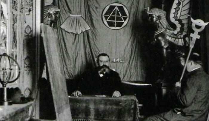Знаменитый французский оккультист Папюс