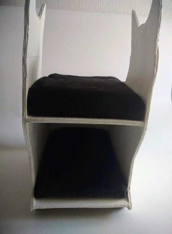 Maison pour chat blanche et noire