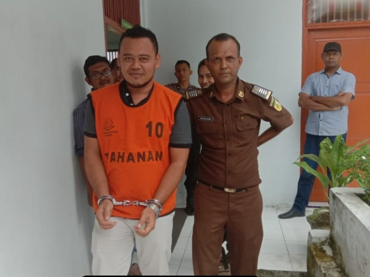 Bebaskan M. Reza Als Epong, Jurnalis mediarealitas.com dari Dakwaan Pasal Pencemaran Nama Baik dan Berita Bohong