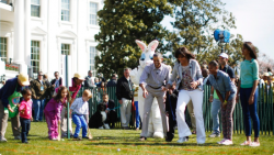 040113-national-white-house-easter-egg-obama-family-michelle-daughters