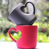 Creative-Ceramic-font-b-Heart-b-font-Shape-Coffee-Cup-with-Black-and-font-b-Red