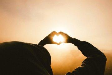 donate-hand-heart-sun