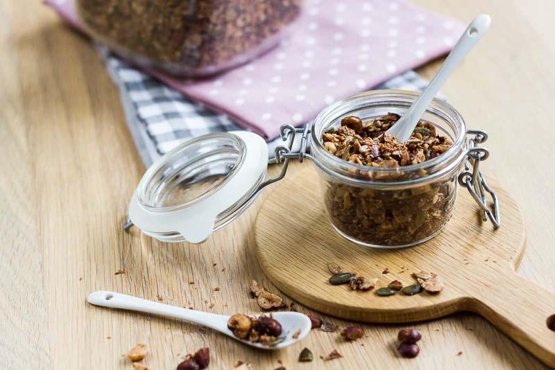 granola si musli lchf cu seminte de dovleac, de floarea soarelui si de in, cu susan si nuca de cocos rasa
