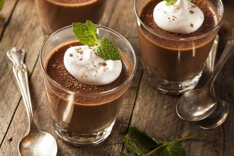 mousse de ciocolata neagra 70% cu frisca