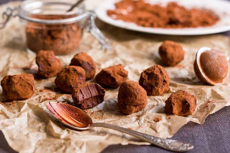 trufe, bilute de ciocolata cu caca-lock][lock