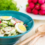 Salata de oua cu hasmatuchi, ridichi si ceapa verde