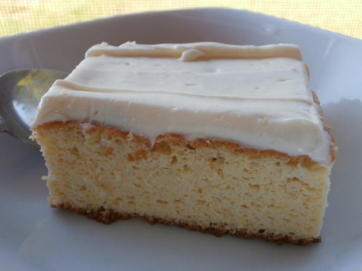 French Vanilla Cake w/Cream Cheese Icing! #GrainFree #LCHF