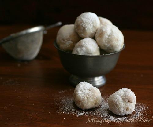 Walnut-Cardamom-Snowballs-3