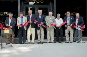 RibbonCutting-512