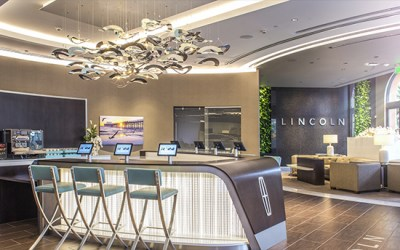 The First Lincoln Experience Center is Open in Newport Beach