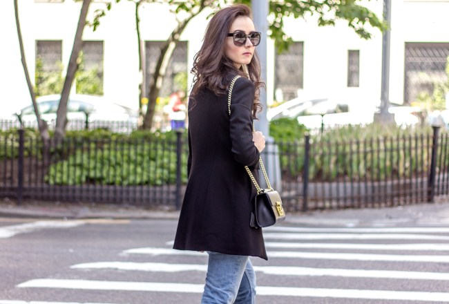 NYC Blogger: Blazer and mom jeans