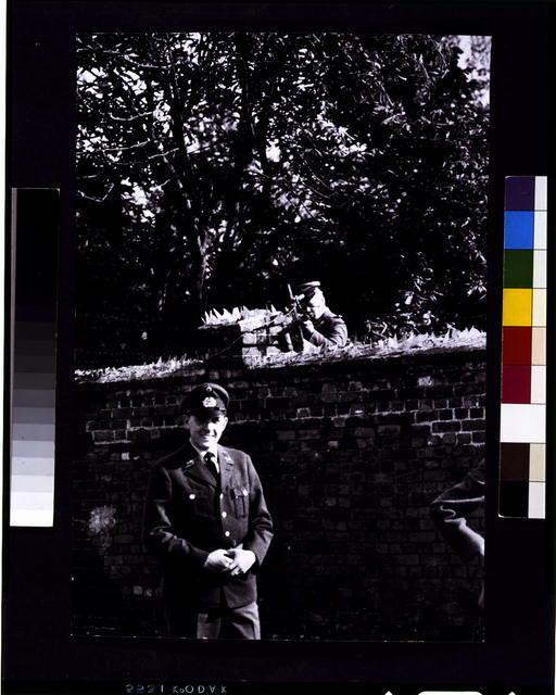 [Berlin Wall]