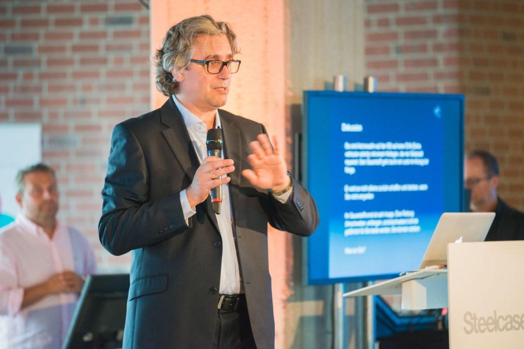 Dr. Viktor Oubaid über die zentralen Aspekte in der Personalauswahl von Astronauten und Führungskräften