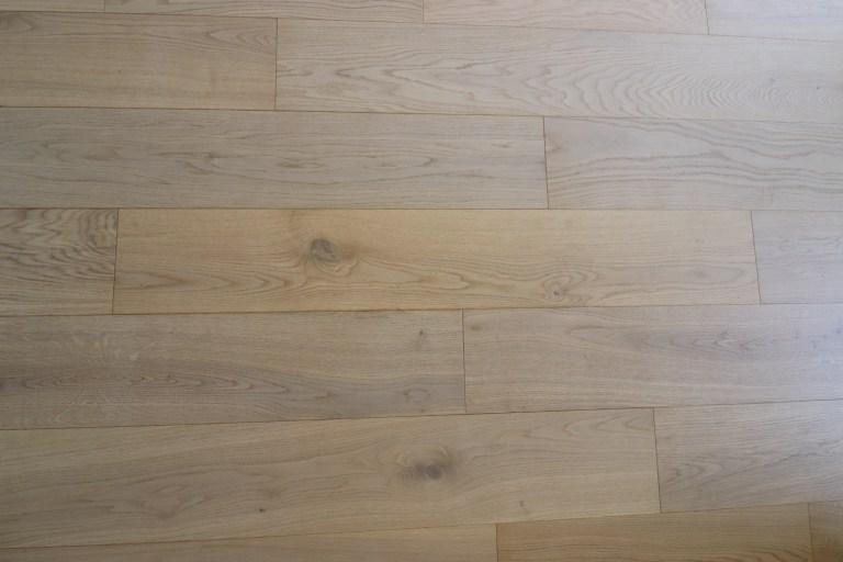 vert guitare parquet rideaux chêne agencement niche spot carrelage noir blanc (6)