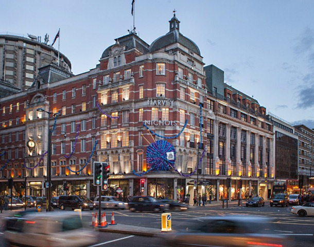 Harvey Nichols celebrates Campaign for Wool?s Wool Week 2012 with a Woolmark installation