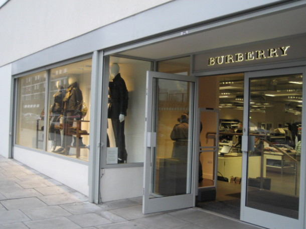 burberry-outlet-store