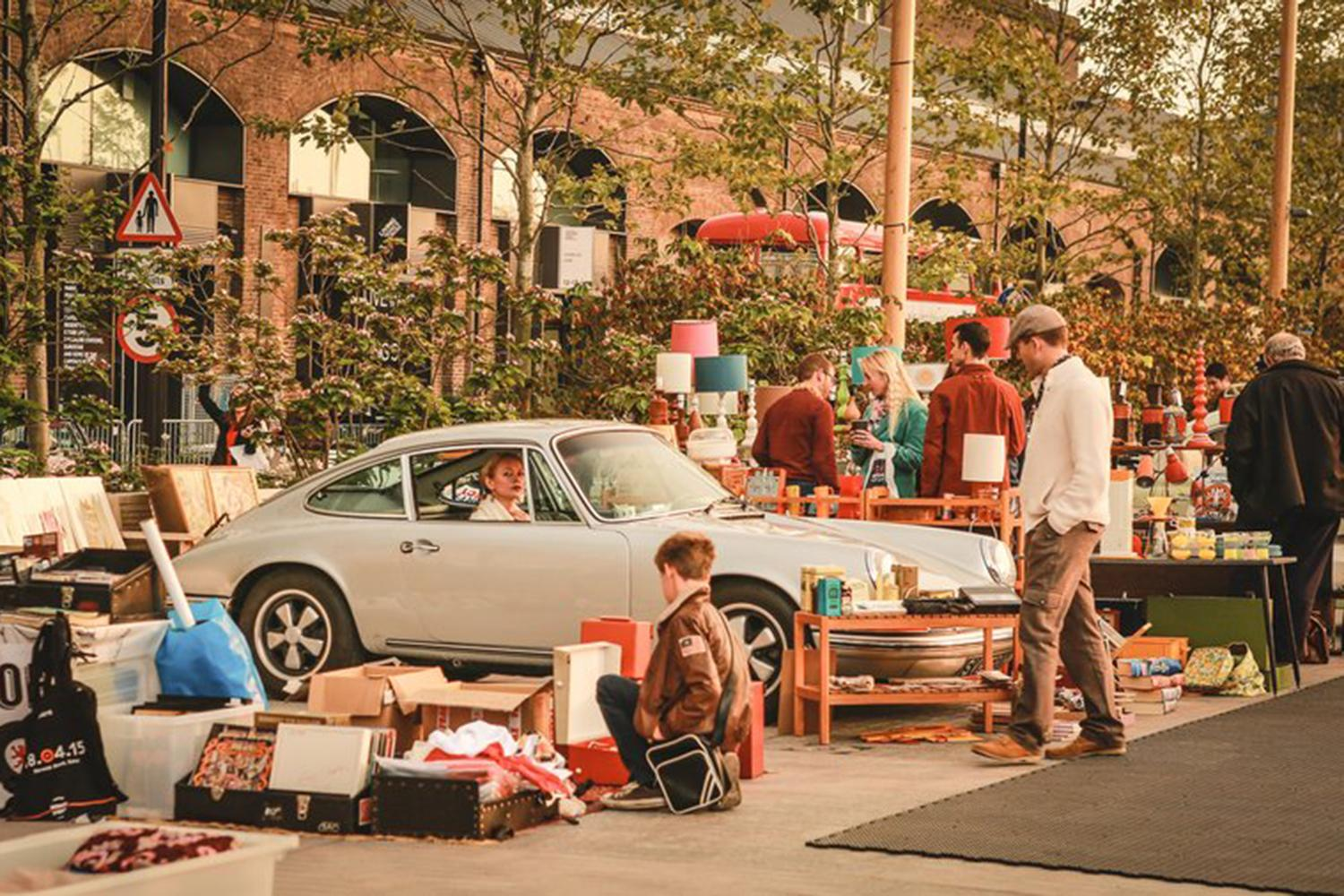 The Best Car Boot Sales For Vintage Clothing In London - Culture Trip Car boot sales fashion