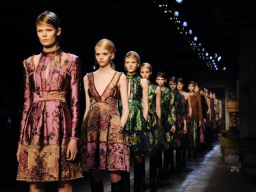Fashion.com domain to be sold at auction