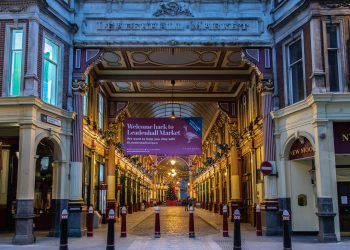 Celebrate Christmas at Leadenhall as Iconic Market Reopens 13