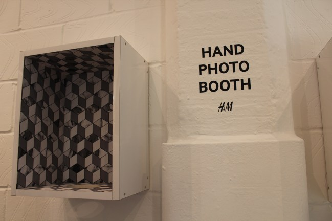 Hand photo booth