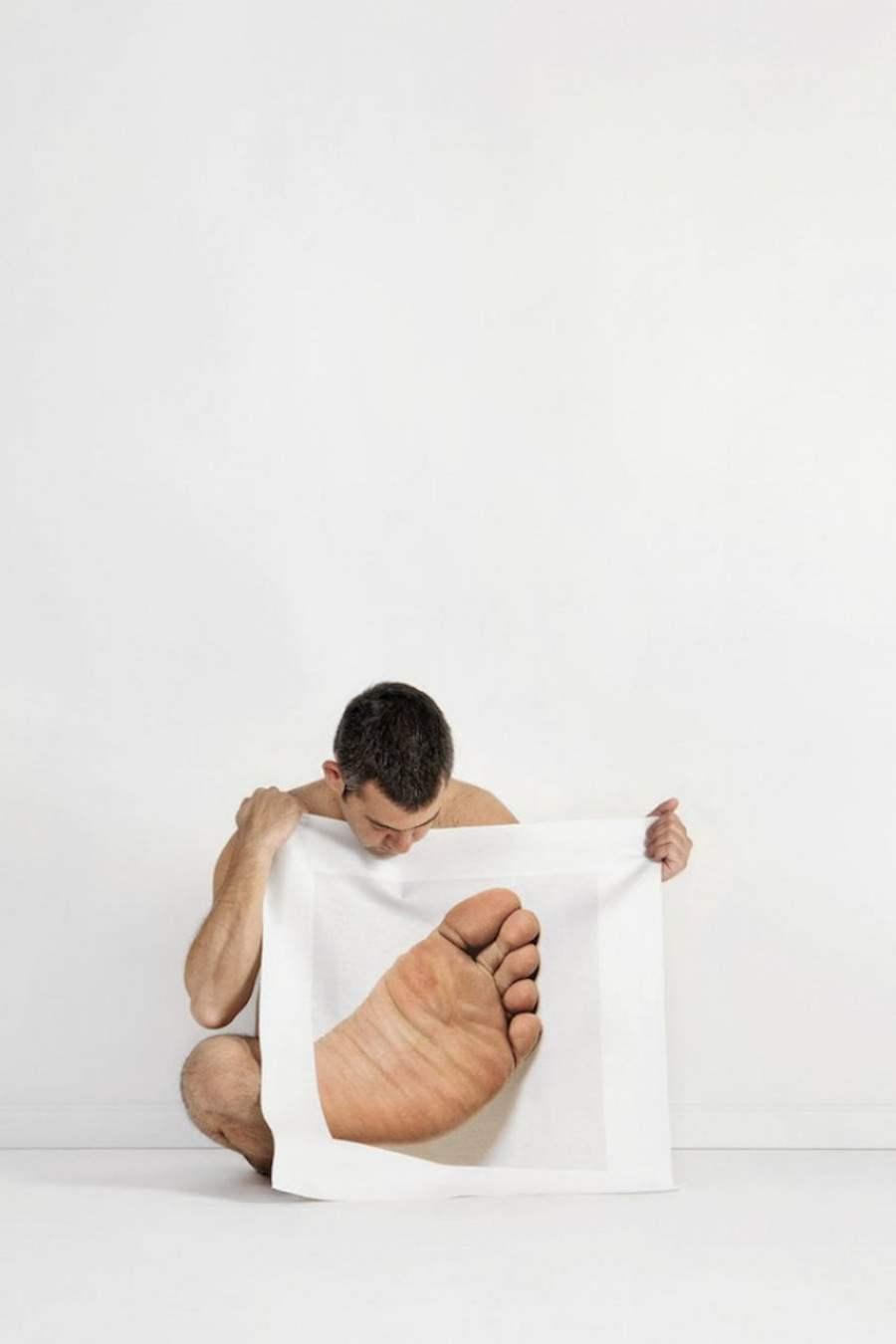 # Meltem Isik大尺寸的身體局部圖:讓你以不同視角檢視自我 6