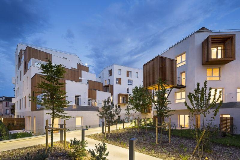 # 以社區交流為概念的陽台公寓:位於法國巴黎羅曼維爾郊區 6