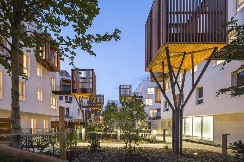 # 以社區交流為概念的陽台公寓:位於法國巴黎羅曼維爾郊區 2