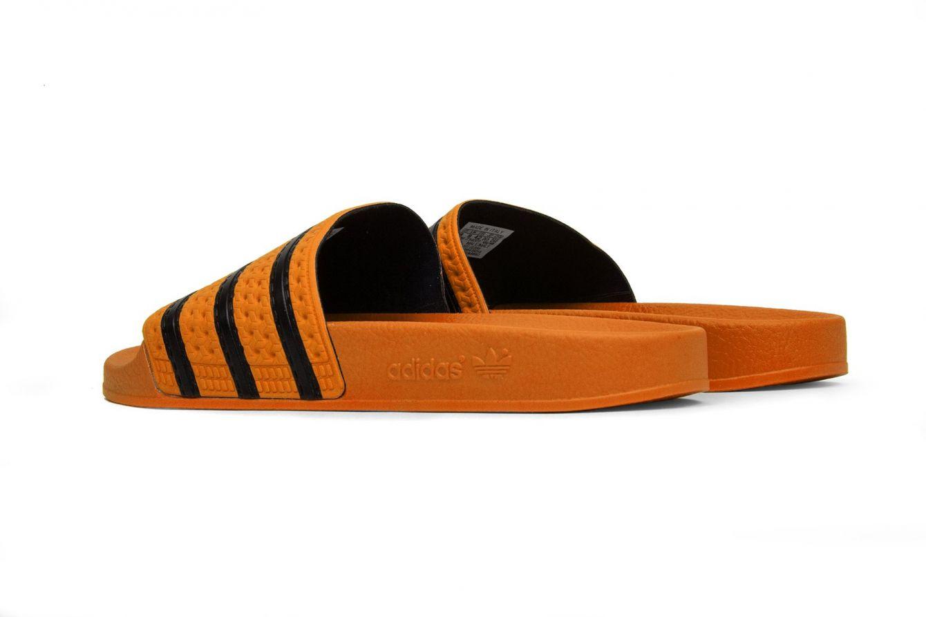 # In Your Shoes 002:最適合大熱天的拖鞋時尚,炎炎夏日來一雙吧! 32