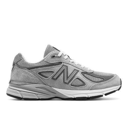1.New Balance 990v4